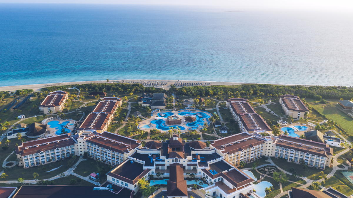 Iberostar Hotels & Resorts welcomed its first guests to Iberostar Laguna Azul on Sunday (April 18)