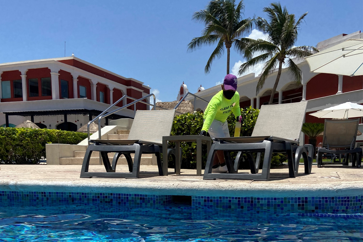 Sanitizing the pool area at Hard Rock Riviera Maya. Photo: Jasmine Grant