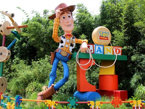 [VIDEO] Exploring Toy Story Land with ACV