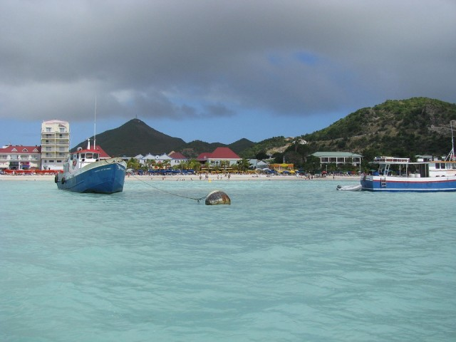Sunwing Travel Group to build a Planet Hollywood resort in St. Maarten