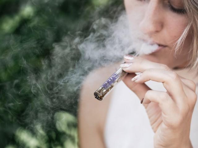 WestJet tightens policies around staff cannabis use