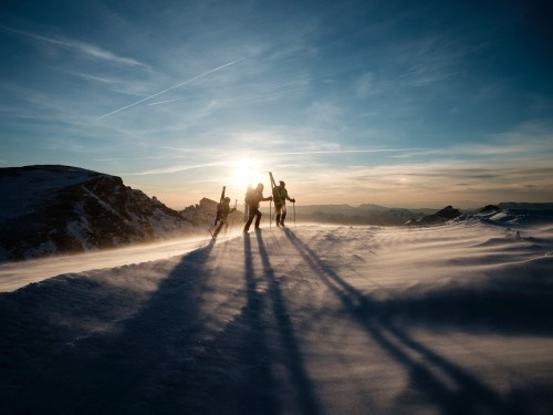 ACV reminding Canadians that they can book ski packages, too