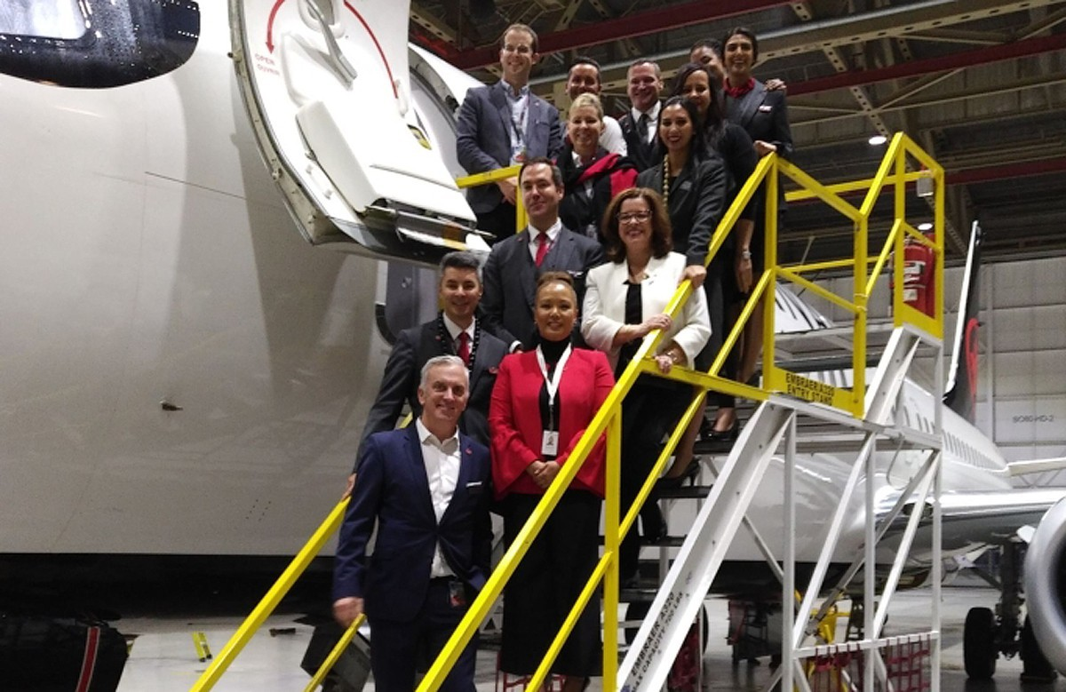 YVR agents check out AC's new B737 MAX