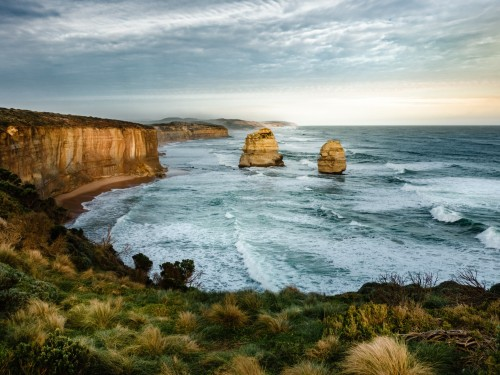 WestJet opens bookings to Australia with expanded Qantas partnership