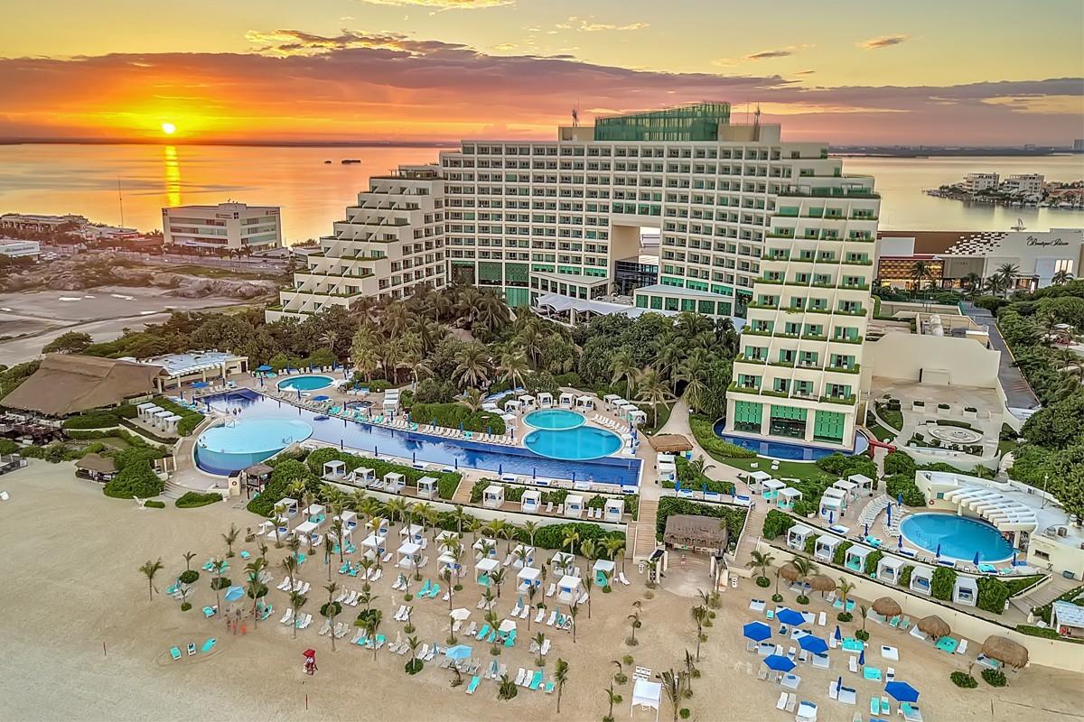 PHOTOS: Live Aqua Beach Resort shows off renovations