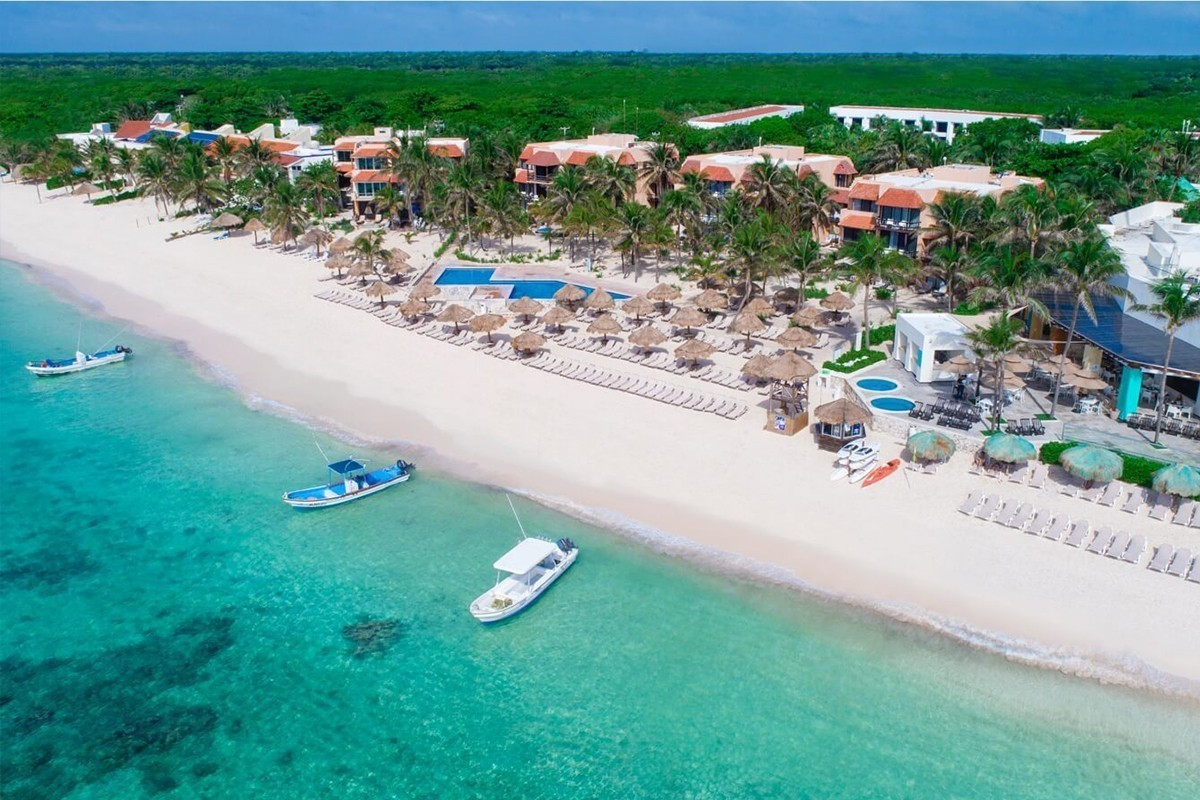 Two Mexican Oasis properties acquired by AMResorts