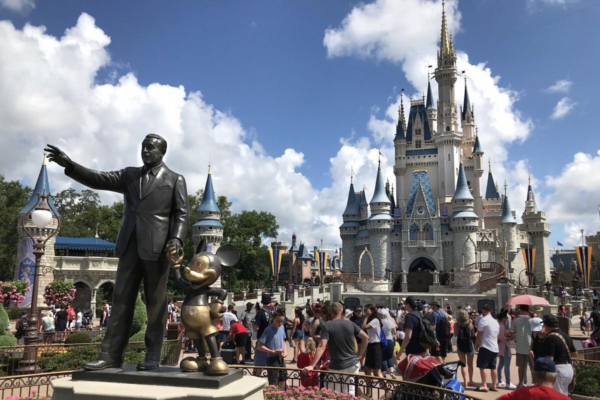 Experiencing Disney, stress-free: Canada's top Disney Mom tells all