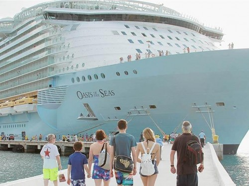 Crane accident forces Royal Caribbean to cancel three upcoming sailings