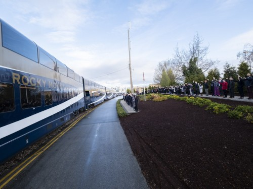 Rocky Mountaineer adds 7 GoldLeaf Service cars