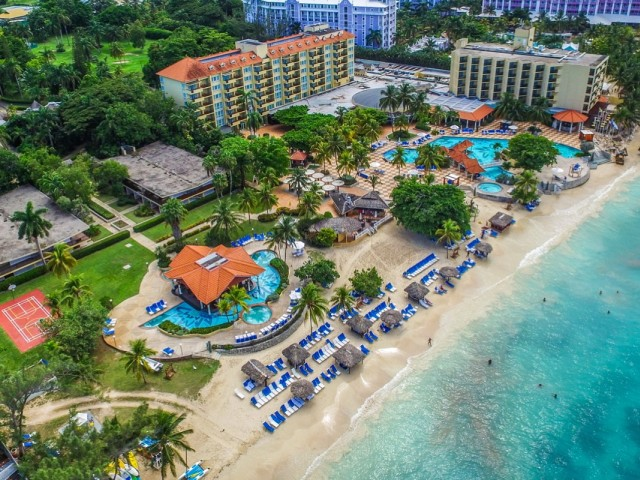 Experience the best of luxury in Jamaica with Jewel Resorts & Sunwing