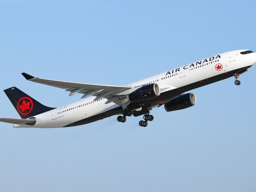 Transport Canada to review Air Canada's bid for Transat