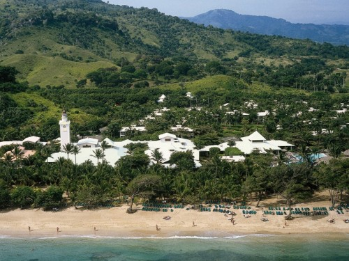 Picturesque tropical getaways at PlayaBachata Resort