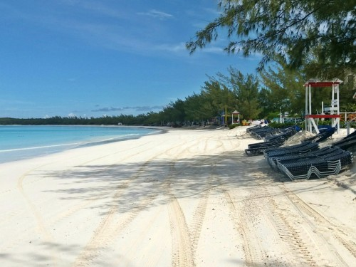 Bahamas tourist board urges travellers to keep vacation plans in place