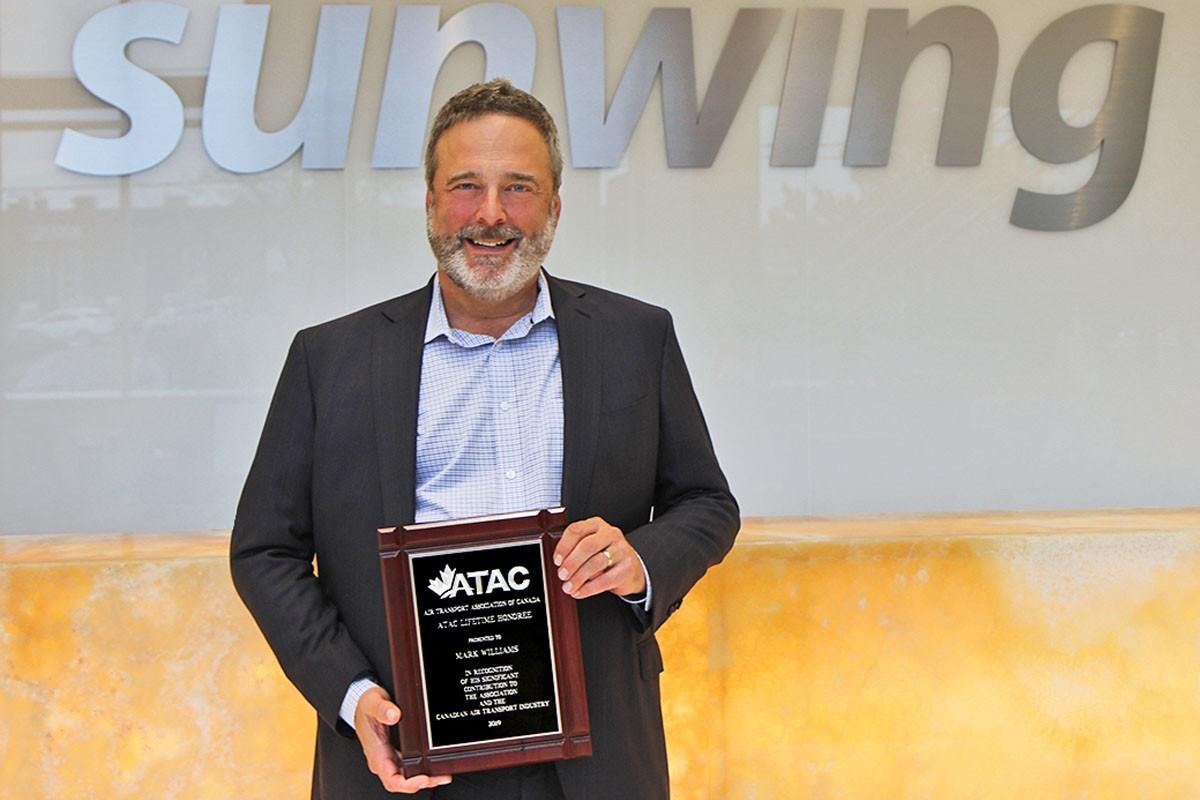 Sunwing president Mark Williams receives ATAC Lifetime Honoree Award