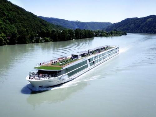 Emerald Waterways unveils Emerald Luna, new itinerary for 2021 season