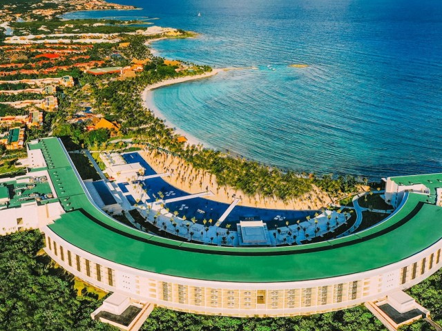VIDEOTORIAL: luxury, adults-only getaways at Barcelo Maya Riviera with Sunwing