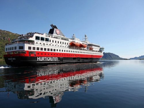 Hurtigruten extends cruise suspensions