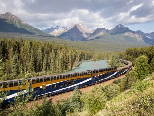 Rocky Mountaineer suspends rail tours through July