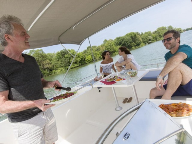 Sensible staycations: Le Boat lets travellers be captain of their own cruiser