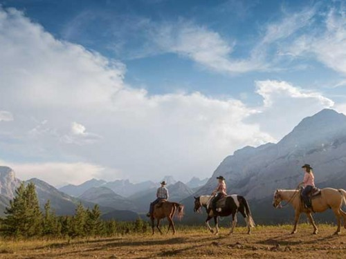 Trafalgar launches limited-edition Canadian vacation series