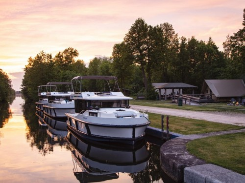 On location: Le Boat's self-drive charter on the Rideau Canal is a safe, fun staycation