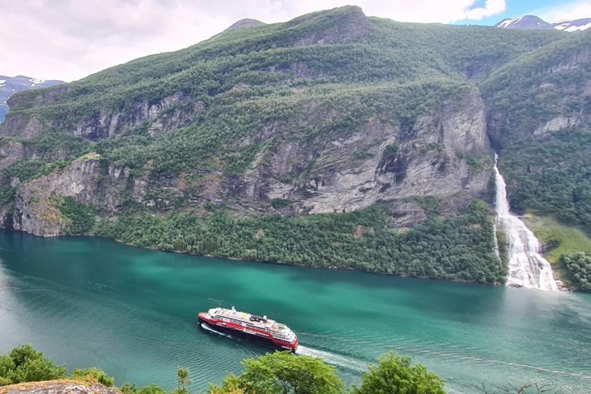 Hurtigruten brings back 14 of its 16 ships for August & September