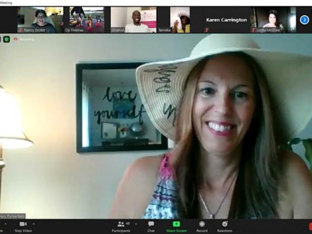 This travel agent is taking her clients on virtual getaways
