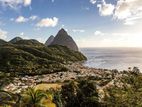 Saint Lucia gets ready to welcome back Canadians with first ACV flight