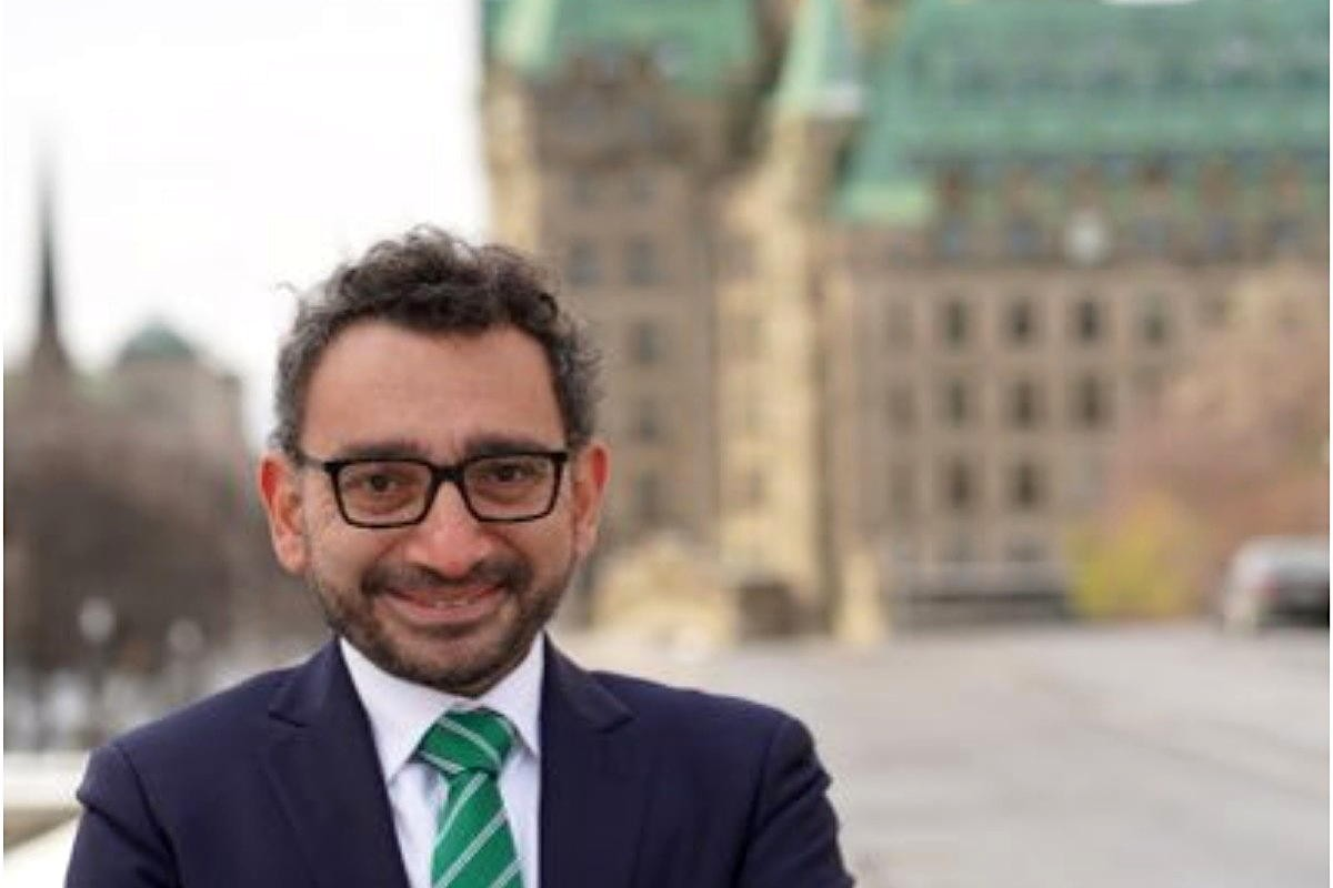 """""""Aviation in crisis"""": New Transport Minister Omar Alghabra steps into hornet's nest of unresolved issues; Canada-U.S. land border closure extended to Feb. 21"""