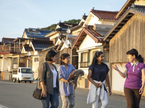 Canadians want future travel dollars to benefit local people, says G Adventures