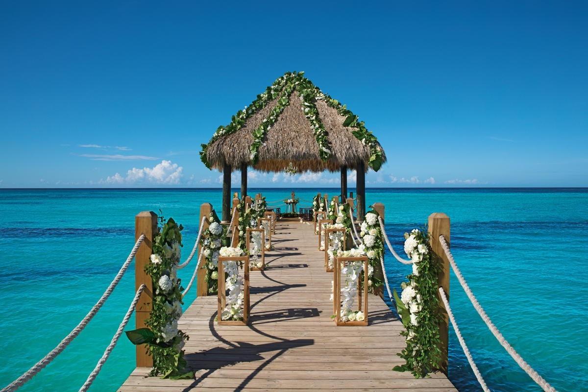 Register now for AMResorts' destination wedding virtual expo happening April 15