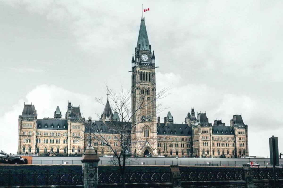 "Feds unveil $1.5B for travel & tourism, but reducing CRB will ""push"" more agents out of industry"