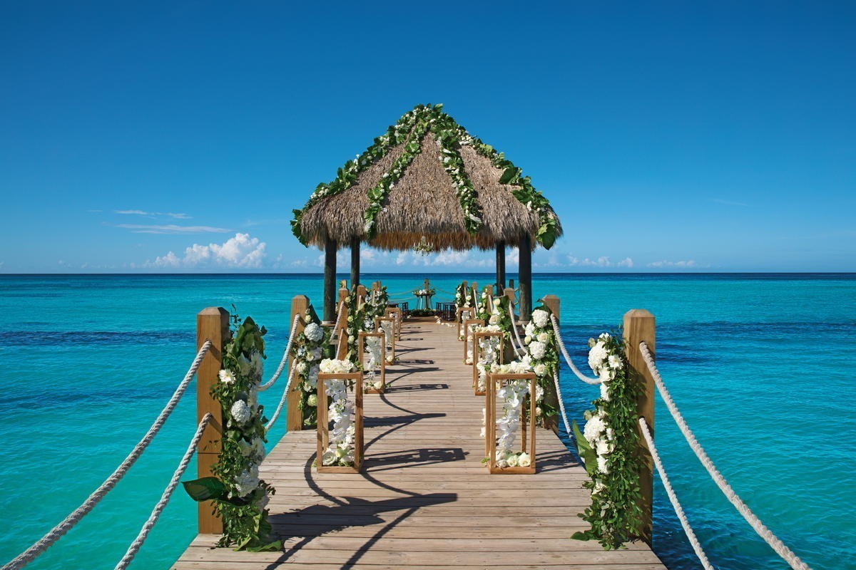 AMResorts hosting virtual wedding expo, live from Mexico, on May 13