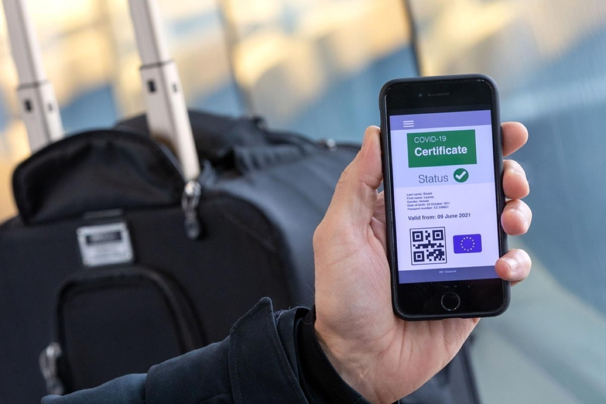 13 countries using EU health pass, still no start date for Canada; AC unveils summer domestic routes; Transat abandons hotel plans