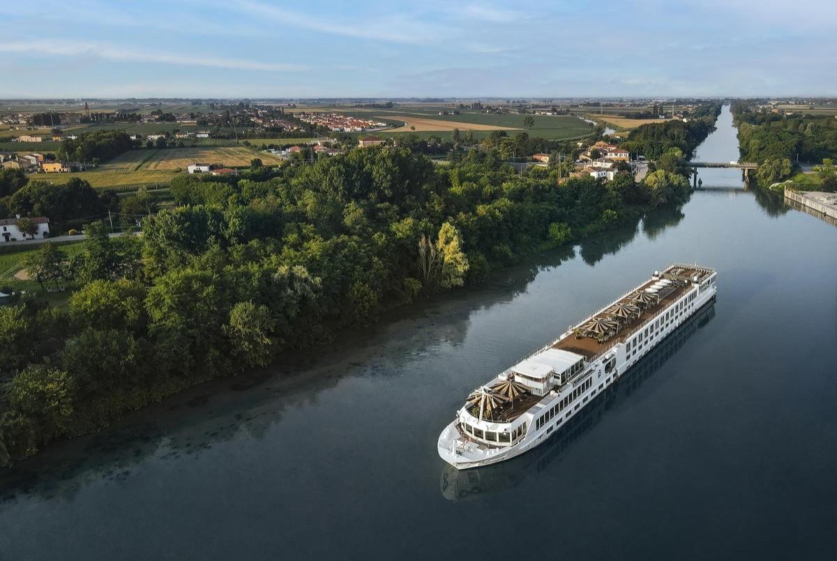 Uniworld returns to Europe's rivers; S.S. La Venezia departs from Venice, Italy
