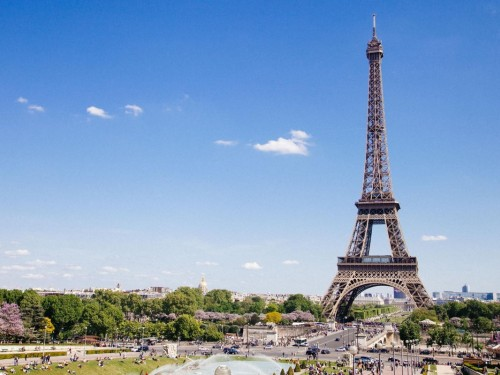 Non-EU visitors to France can now get a health pass for everyday venues