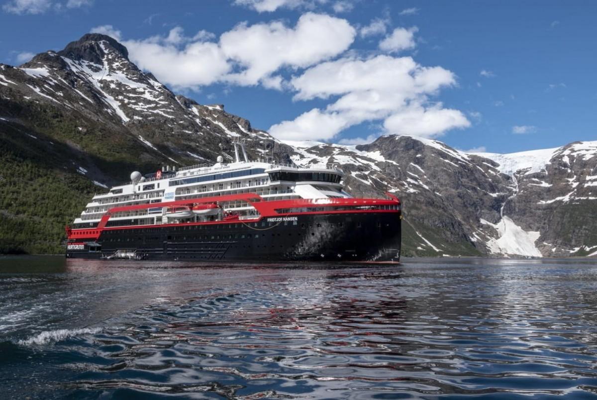 Hurtigruten marks 125 years by naming MS Fridtjof Nansen on Svalbard