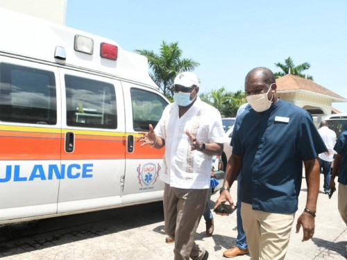 Jamaica launches COVID-19 vaccination program for tourism workers