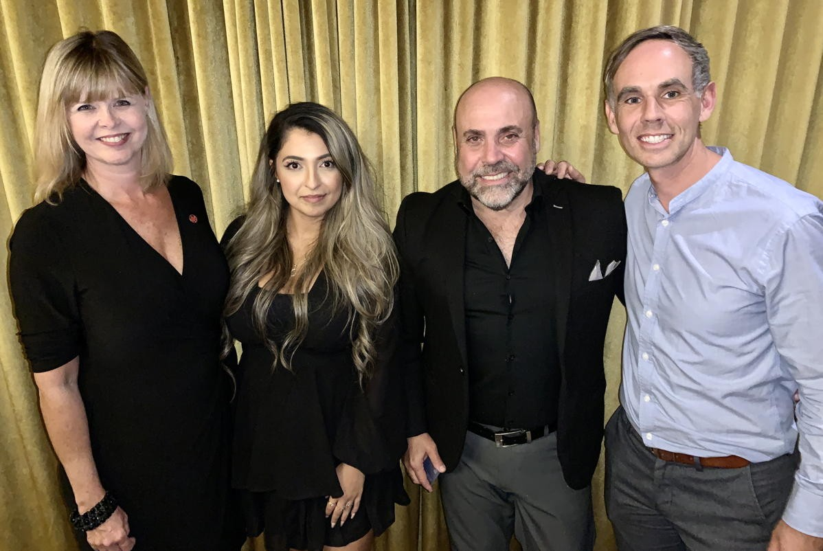 """""""The travel advisor is back"""": Pros gather at Limitless TO dinner with Travel Edge, Vienna Tourist Board, AC; Sunwing heading back to Cuba; Air Transat restoring Manchester flights"""