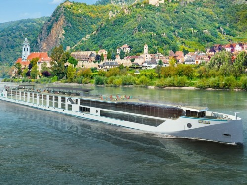 Crystal River Cruises extends vaccination requirement through 2022
